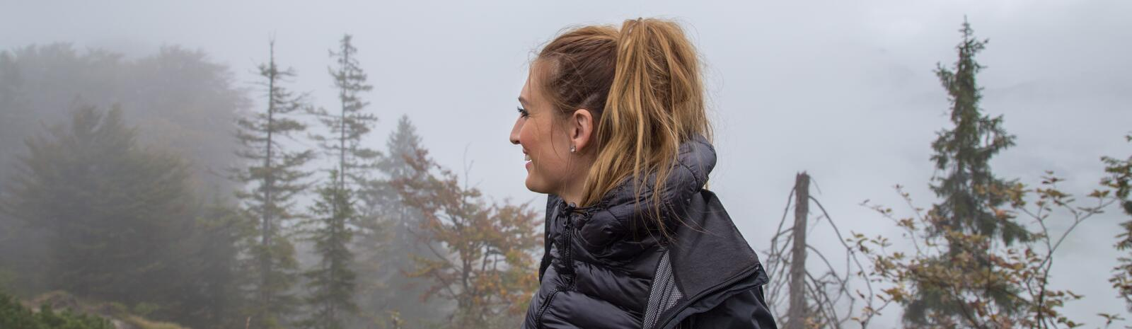 Johanna enjoying the rain | © Best Mountain Artists